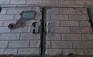 歩道が傷んでいると、高齢者がつまずくなど危険